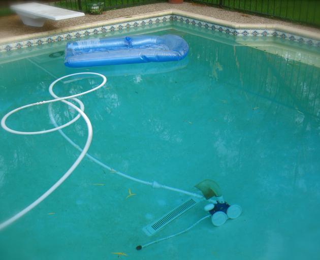 bazénový vysavač v akci